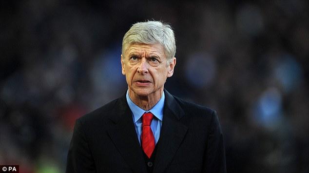 Arsene Wenger Ganti Formasi Hadapin Everton