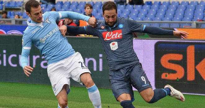Lazio dan Napoli pertempuran untuk posisi ketiga