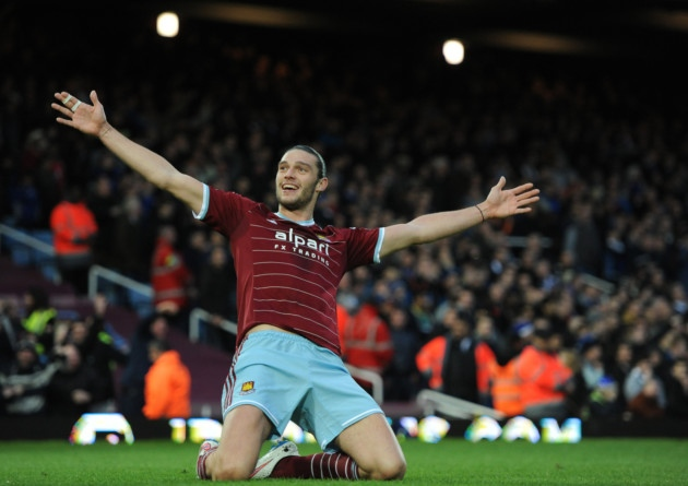 Andy Carroll Dipersiapkan Kontra Liverpool