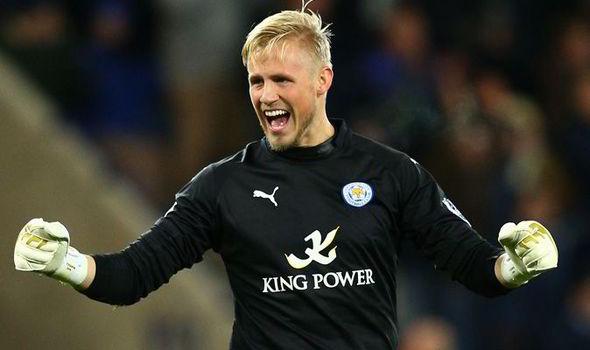 Kiper Leicester City Bosan Dibandingkan Dengan Sang Ayah