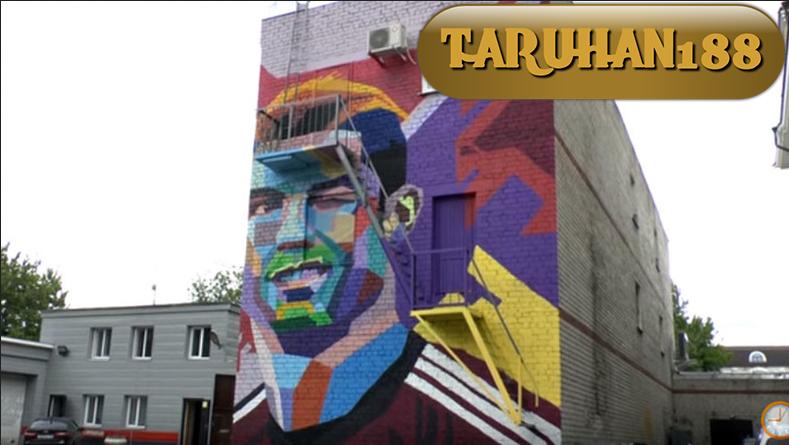 Ronaldo telah dibuat Mural di salah satu kota Rusia