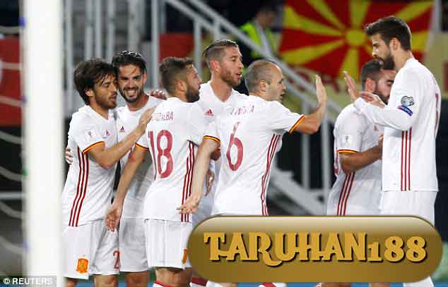Spanyol berhasil mengamankan tempatnya di Grup G