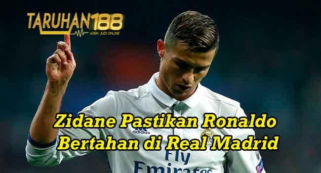 Zidane Pastikan Ronaldo Bertahan di Real Madrid